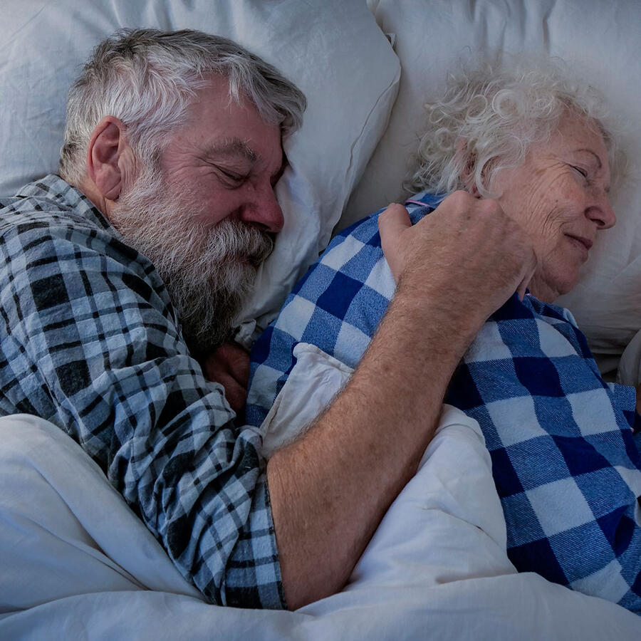 Ancianos dormidos