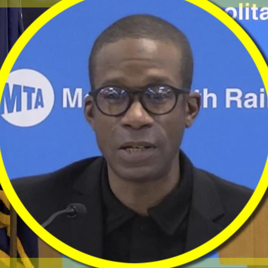 Heroe salva a un hombre en el Metro de Nueva York