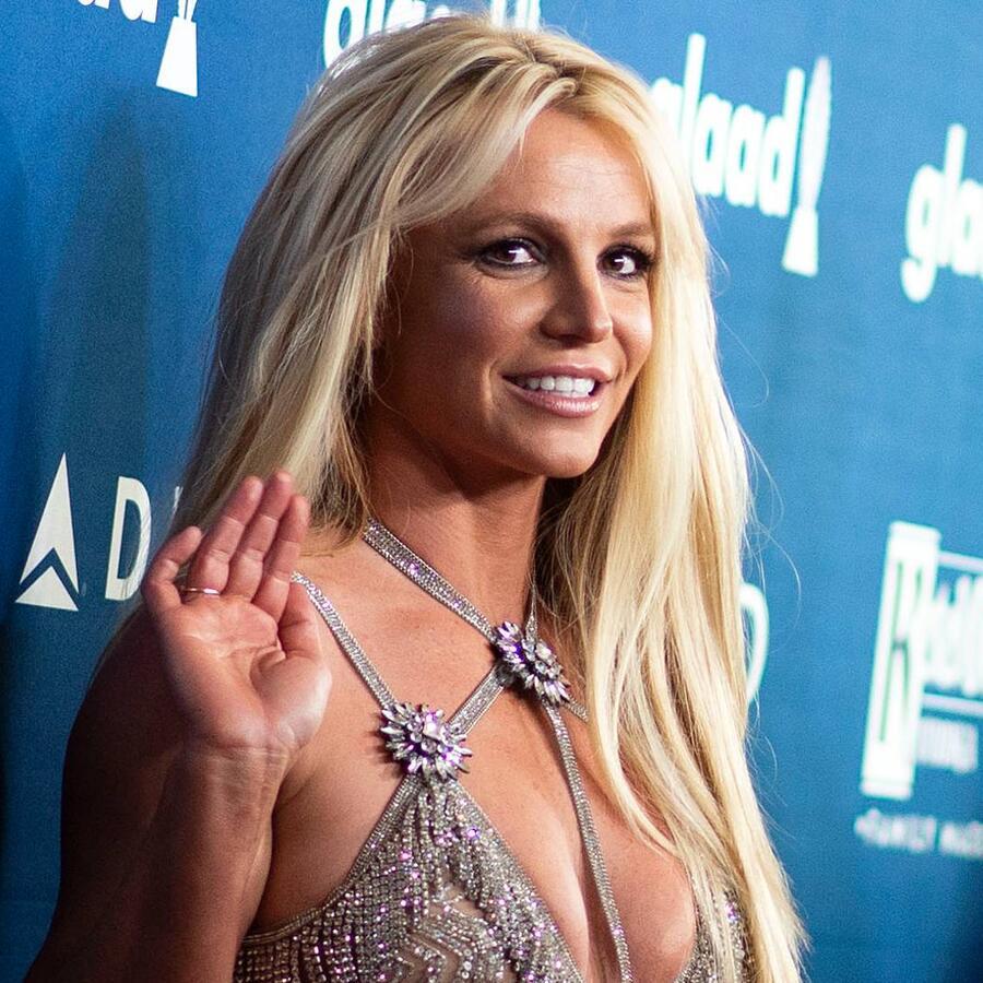 Britney Spears en la alfombra roja de los GLAAD Media Awards 20218