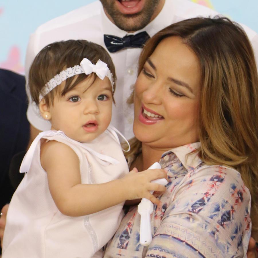 El amor y la suerte persiguen a la actriz y presentadora Adamari López