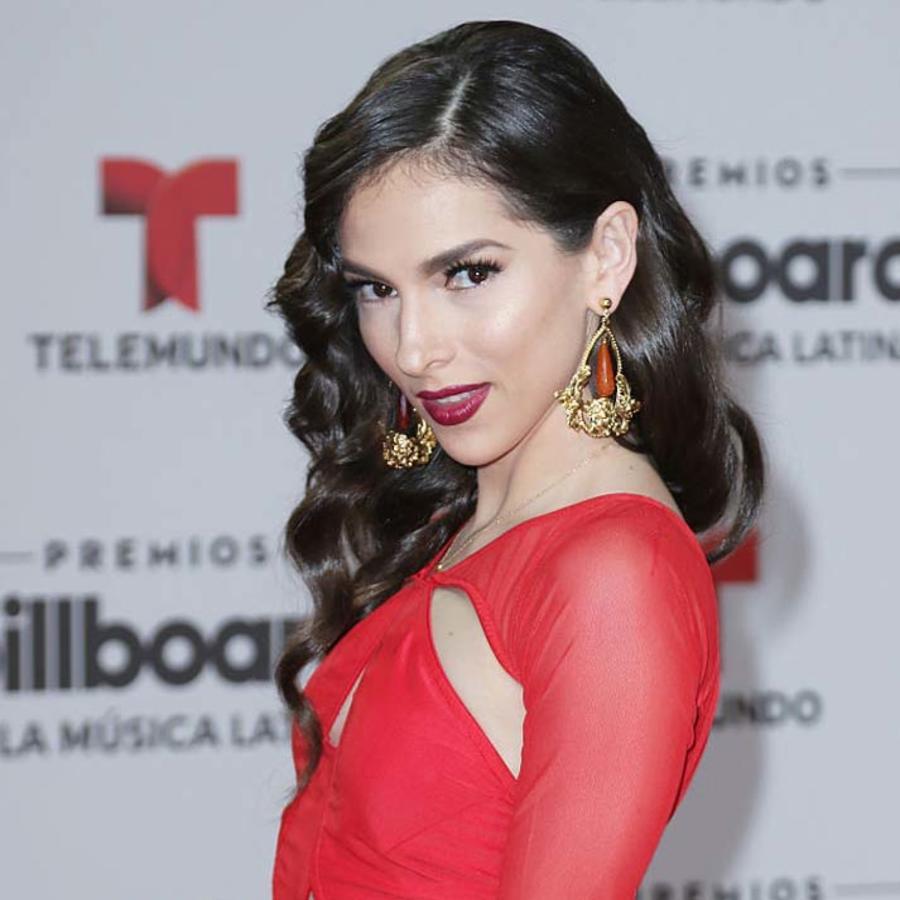 Paty Cantú Alfombra Roja Premios Billboard 2016