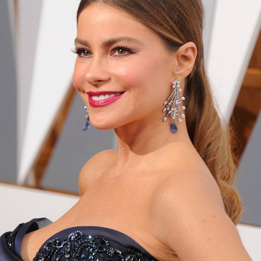 Sofía Vergara con vestido azul en los Oscar 2016