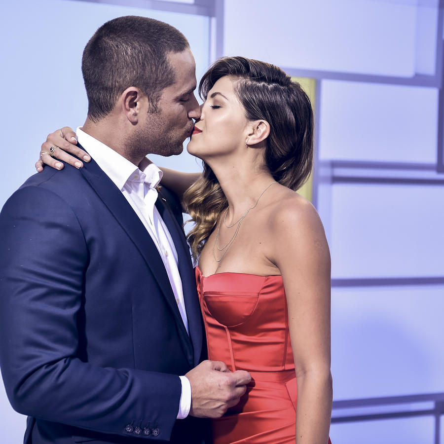 Michel Brown y Margarita Muñoz se besaron en los Latin American Music Awards 2016
