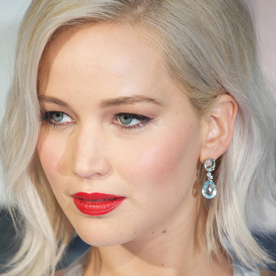 """Jennifer Lawrence en la red carpet del screening de """"X-Men Apocalypse""""."""
