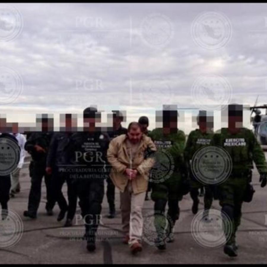 El Chapo durante su traslado a EEUU