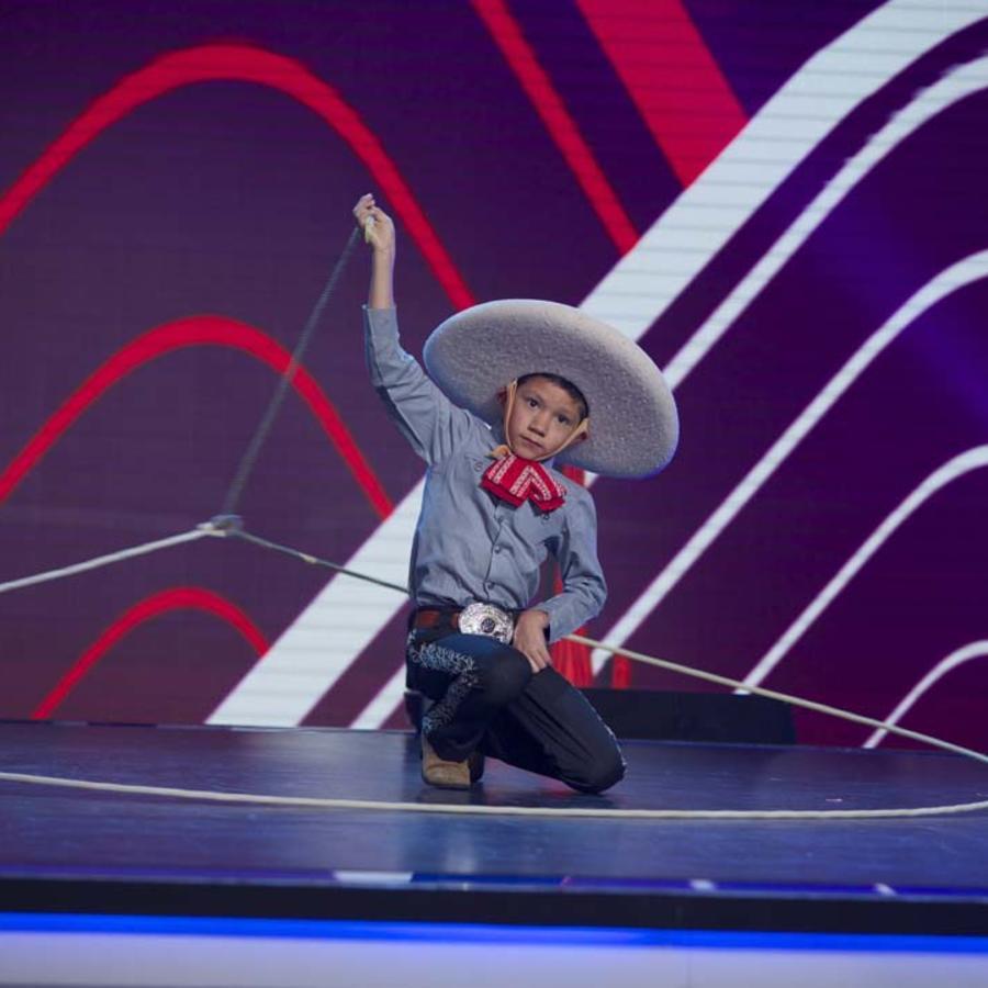 Francisco Flores campeón de floreo de reata