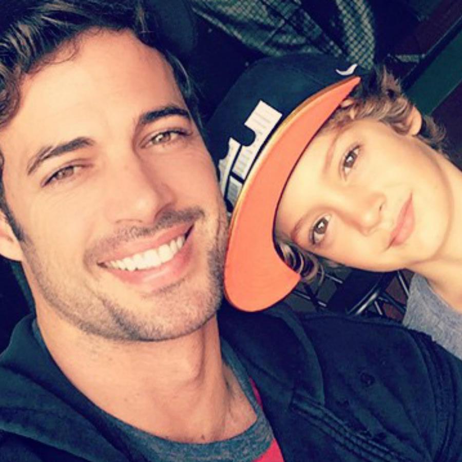 Chistopher Levy y William Levy con gorras de baseball a través de Instagram.