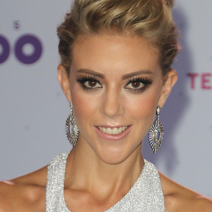 Fernanda Castillo alfombra Premios Tu Mundo 2016