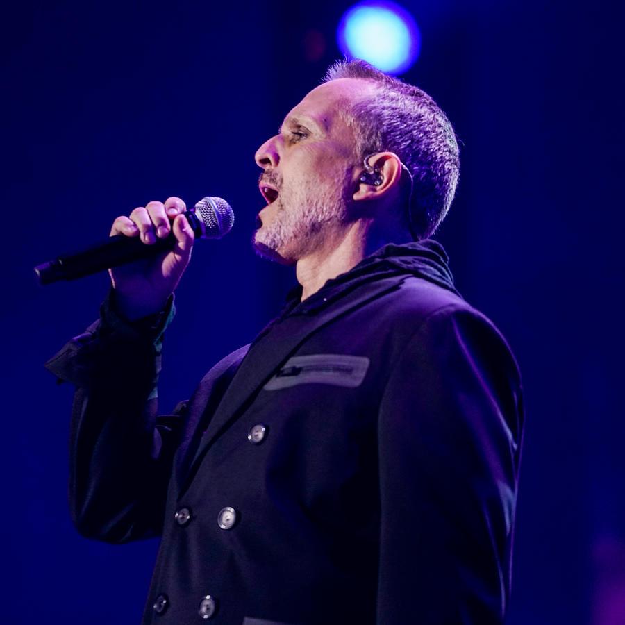 Miguel Bose en Premios Tu Mundo 2017