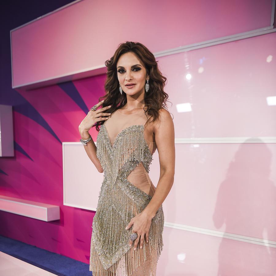 Los escotes más sexis de la alfombra de los Premios Tu Mundo 2017 (FOTOS)