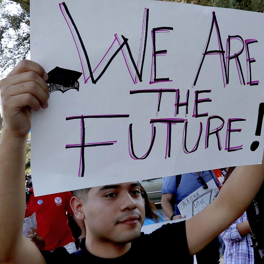 Manifestantes a favor de DACA