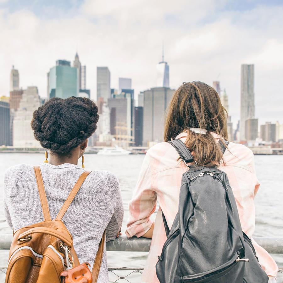 Dos chicas con vista de New York