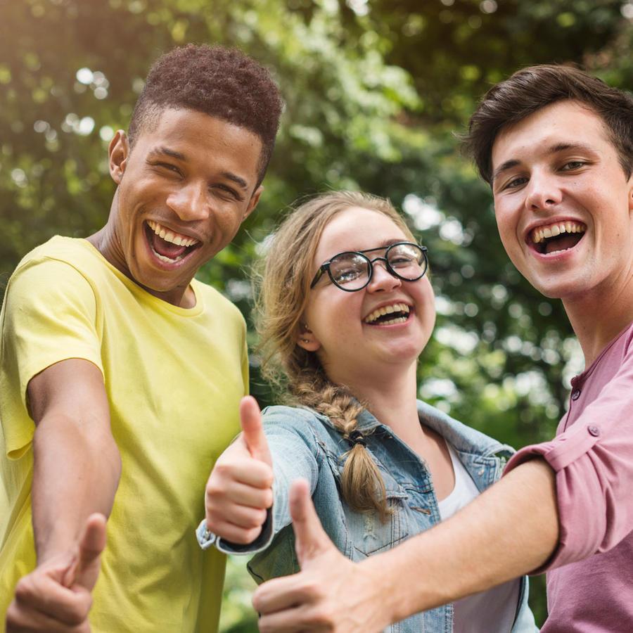 Grupo de jóvenes de distintos países