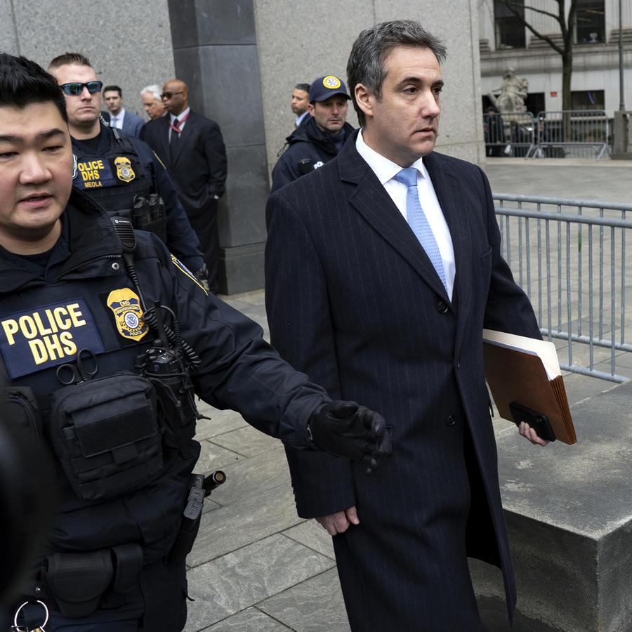 Michael Cohen, ex abogado de Trump sale de la corte el miércoles 12 de diciembre de 2018 tras recibir sentencia
