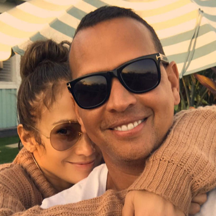 Jennifer Lopez y Alex Rodriguez muy enamorados