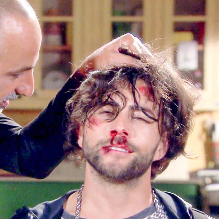 Julio Bracho torturando a Fernando Noriega herido en Bajo El Mismo Cielo