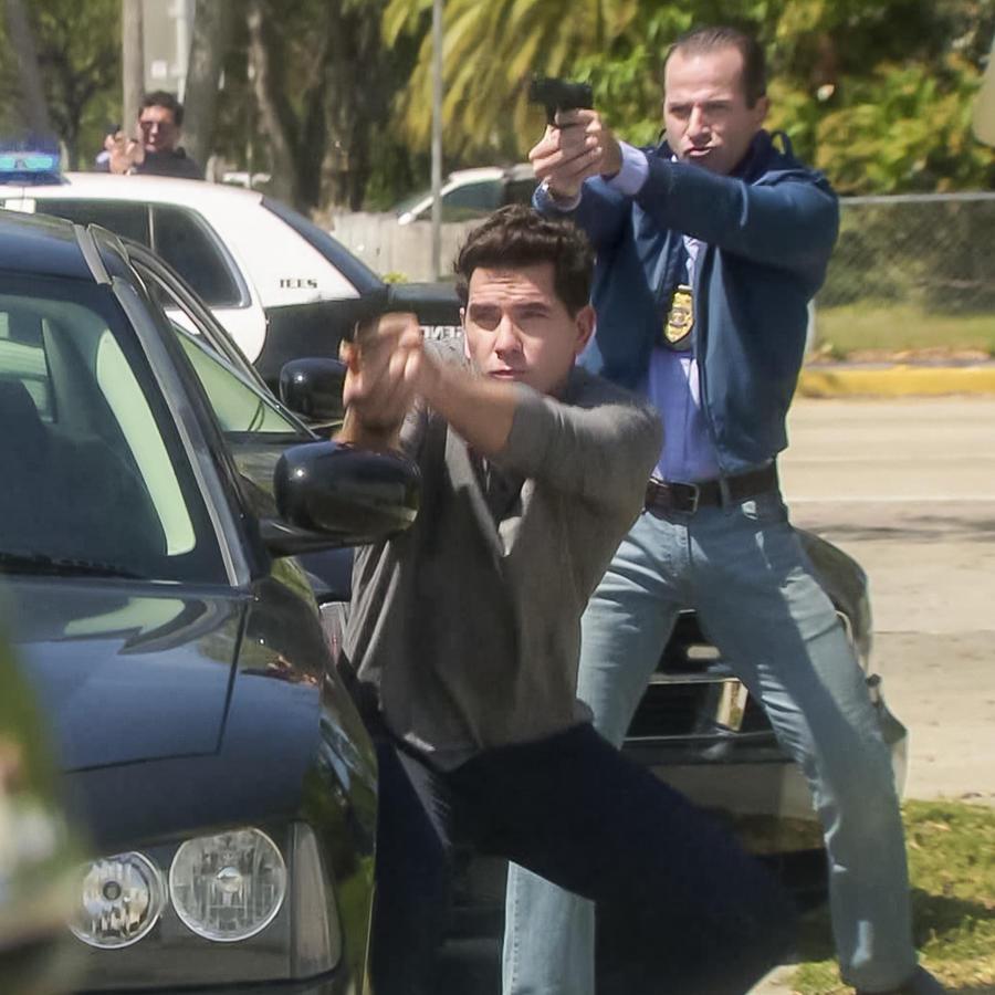 Arap Bethke dispara contra Antonio Gaona en Eva la Trailera