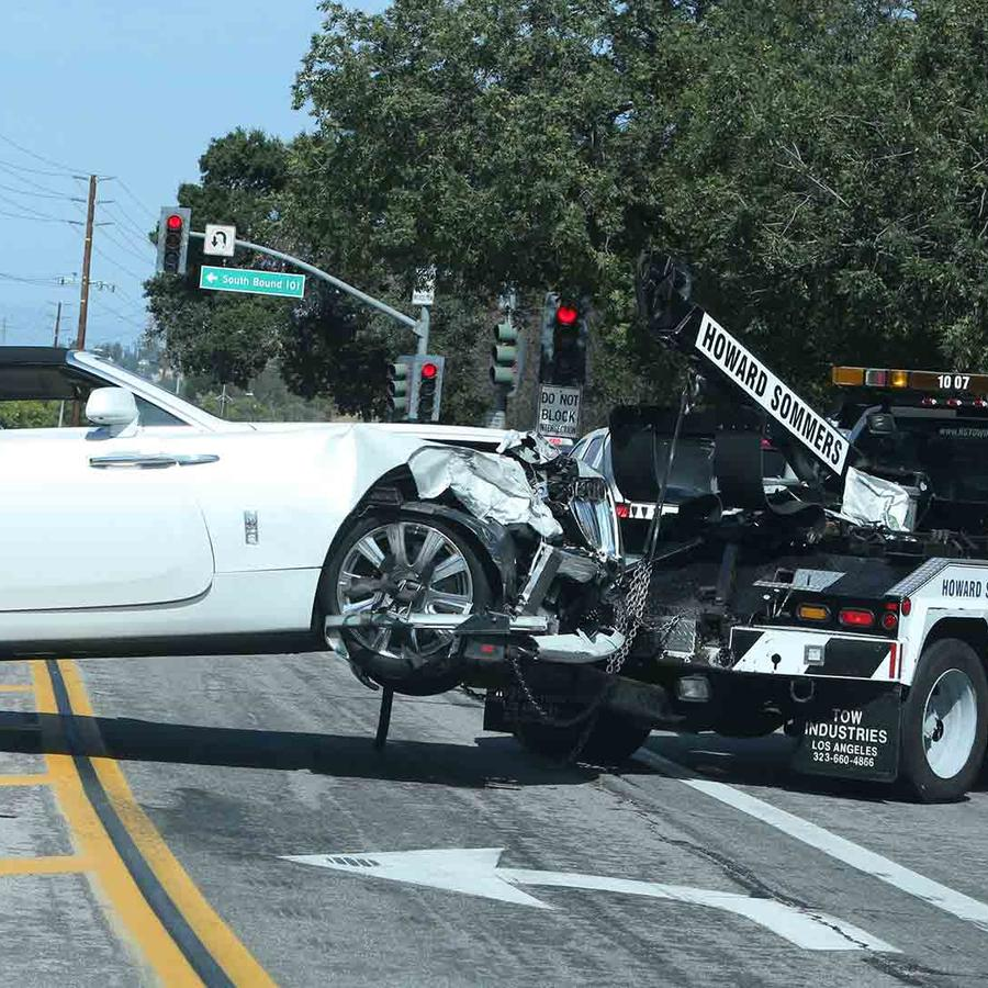 El Rolls-Royce de Kris Jenner chocado