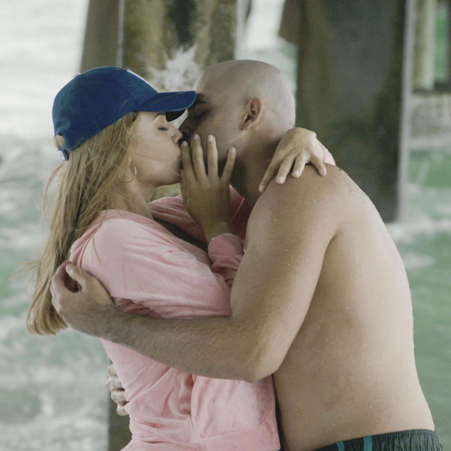 Angélica Celaya y Christopher Millán en Mariposa de Barrio