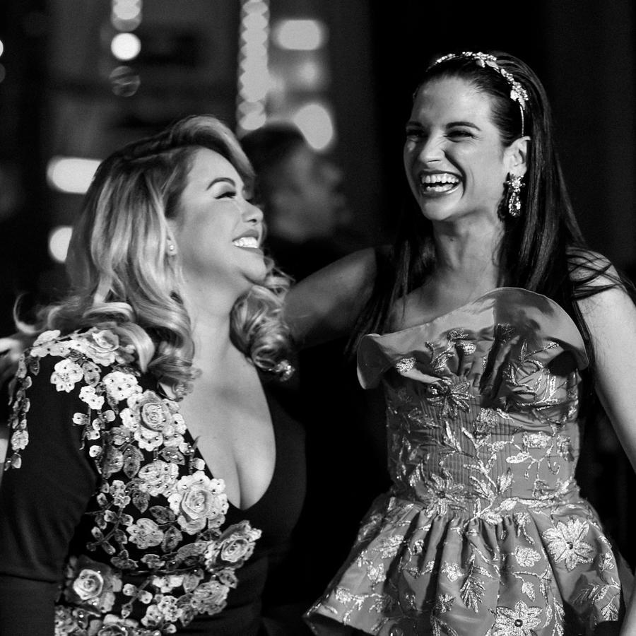 Natalia y Chiquis Rivera en Latin AMAs 2017.