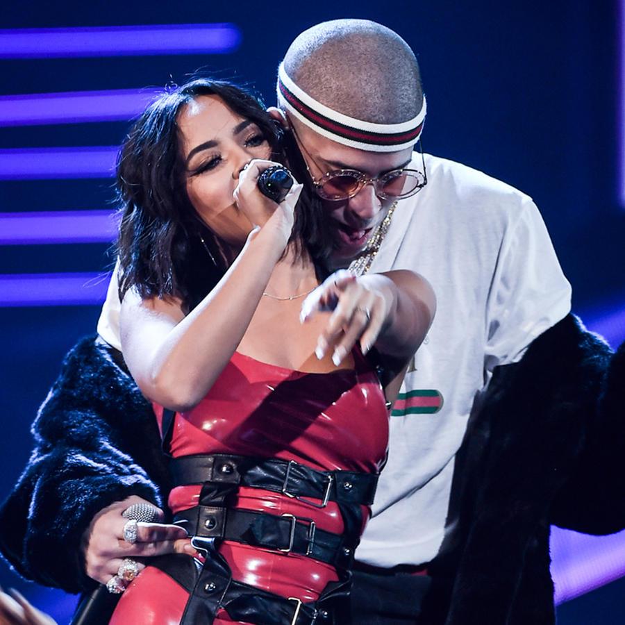 Becky G and Bad Bunny Latin AMAs 2017