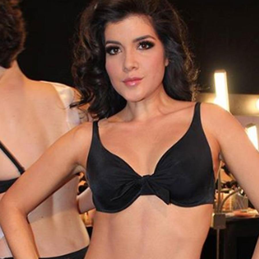 Critican a Miss Ecuador tras desfilar en bikini