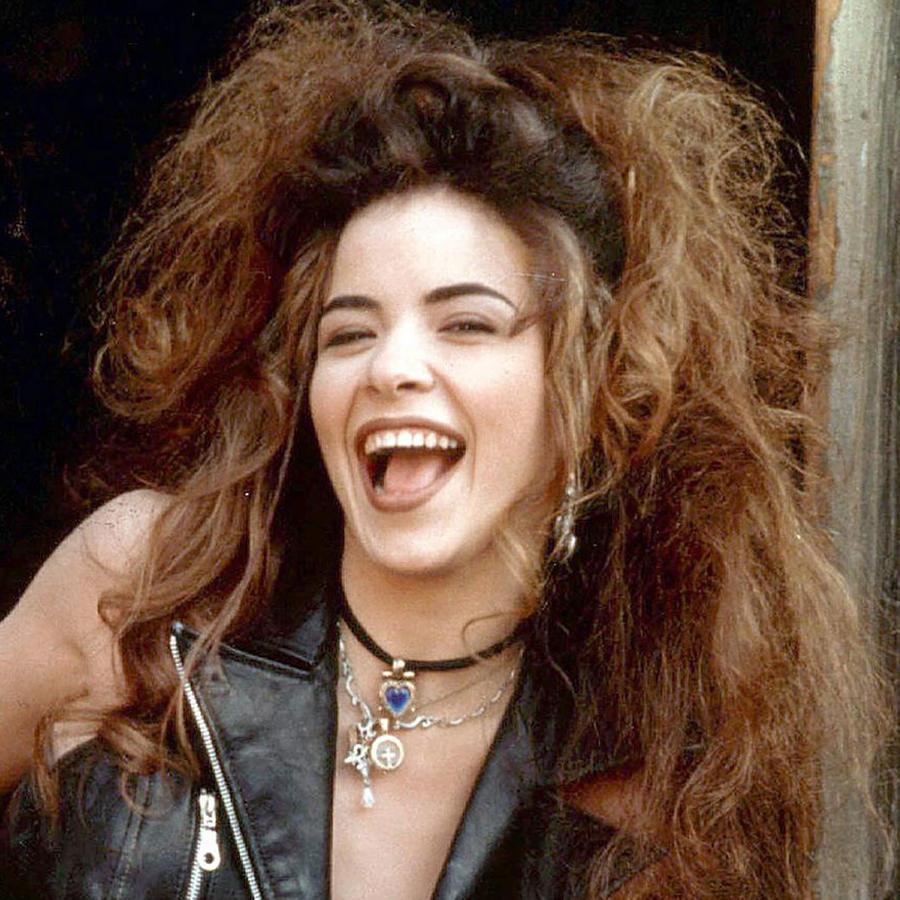 Gloria Trevi con el cabello alborotado