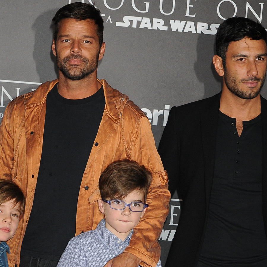 Ricky Martin con sus hijos y Jwan Yosef
