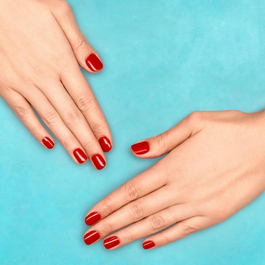 Uñas pintadas de rojo