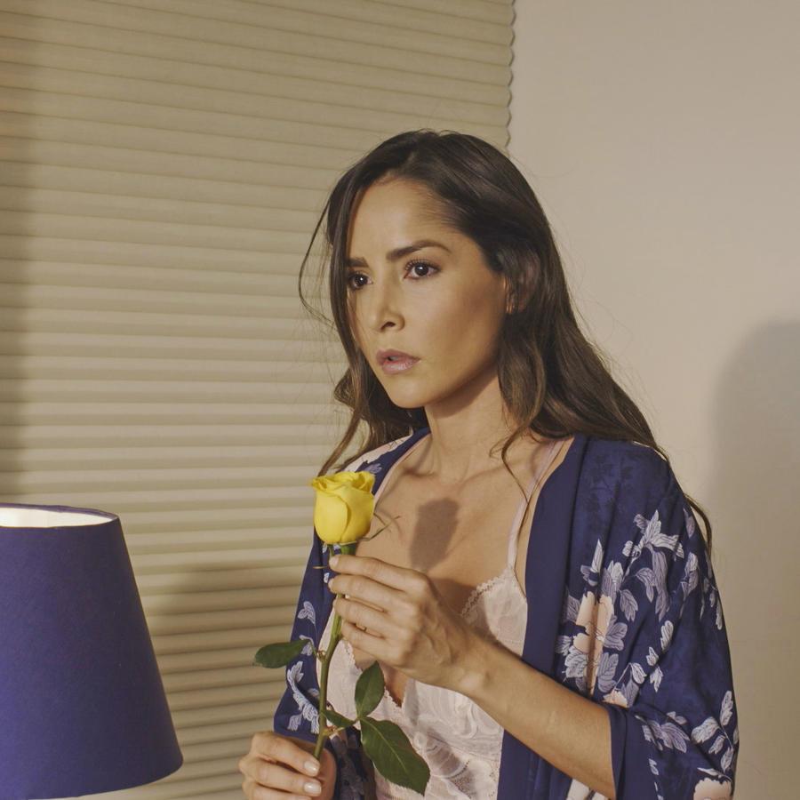 Carmen Villalobos en Sin Senos Sí Hay Paraíso 3