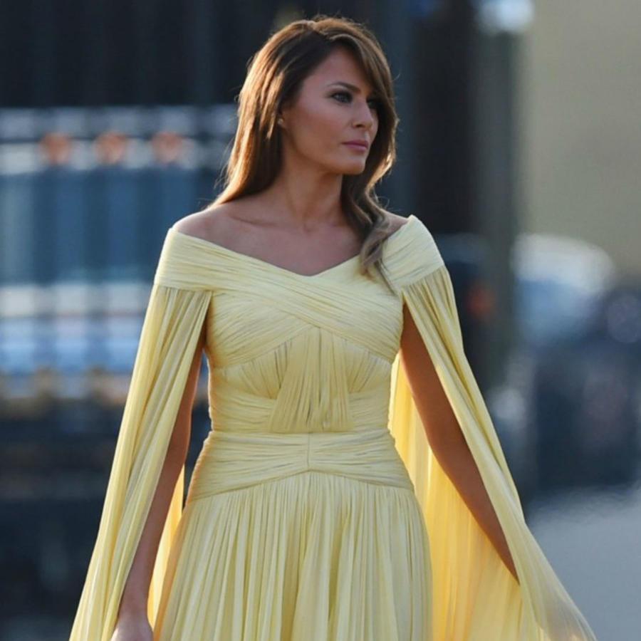 Melania Trump con su vestido amarillo en Inglaterra
