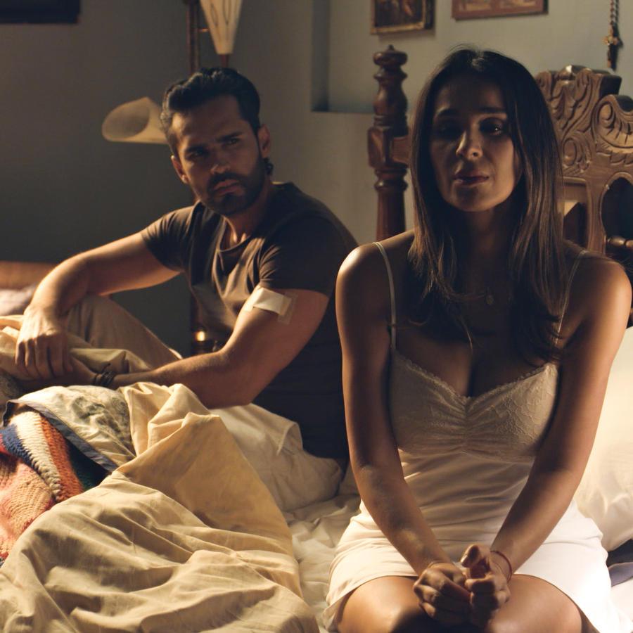Fabián Ríos y Catherine Siachoque En Sin Senos Sí Hay Paraíso 3