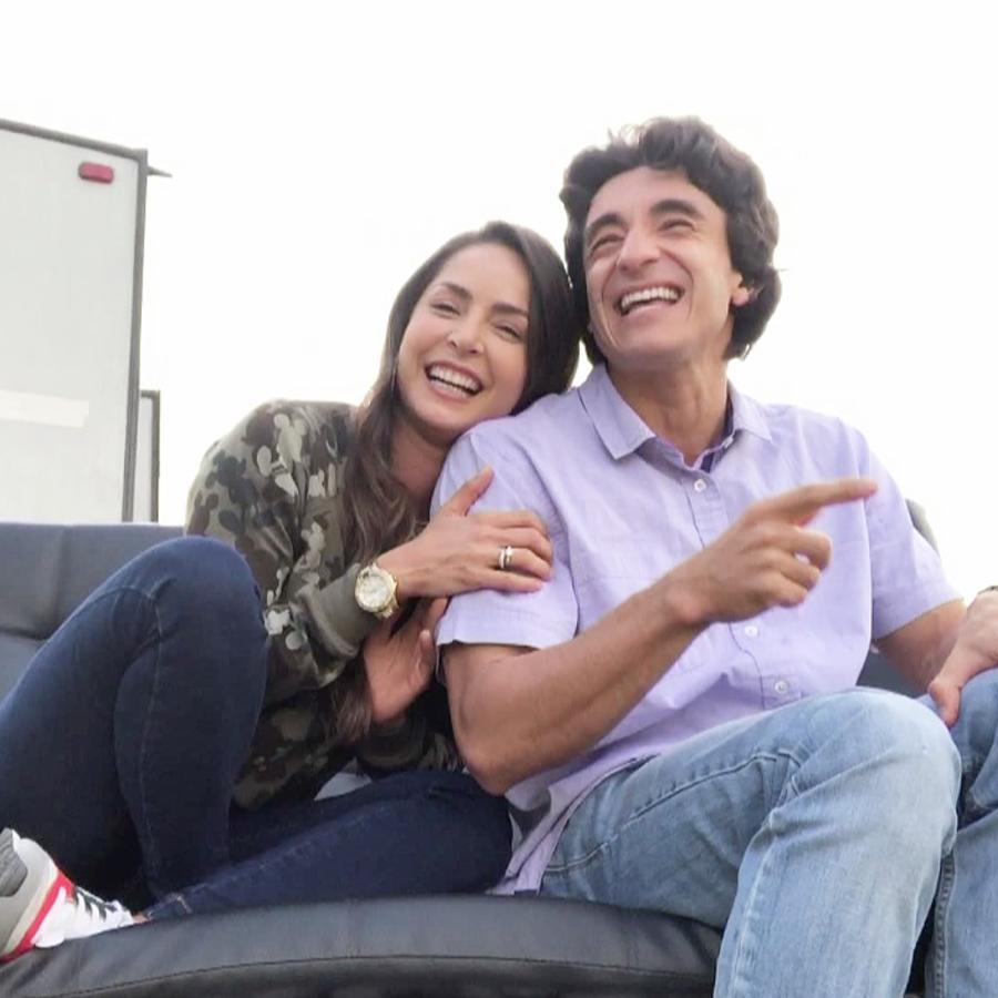 Francisco Bolívar y Carmen Villalobos en Sin Senos Sí Hay Paraíso 3