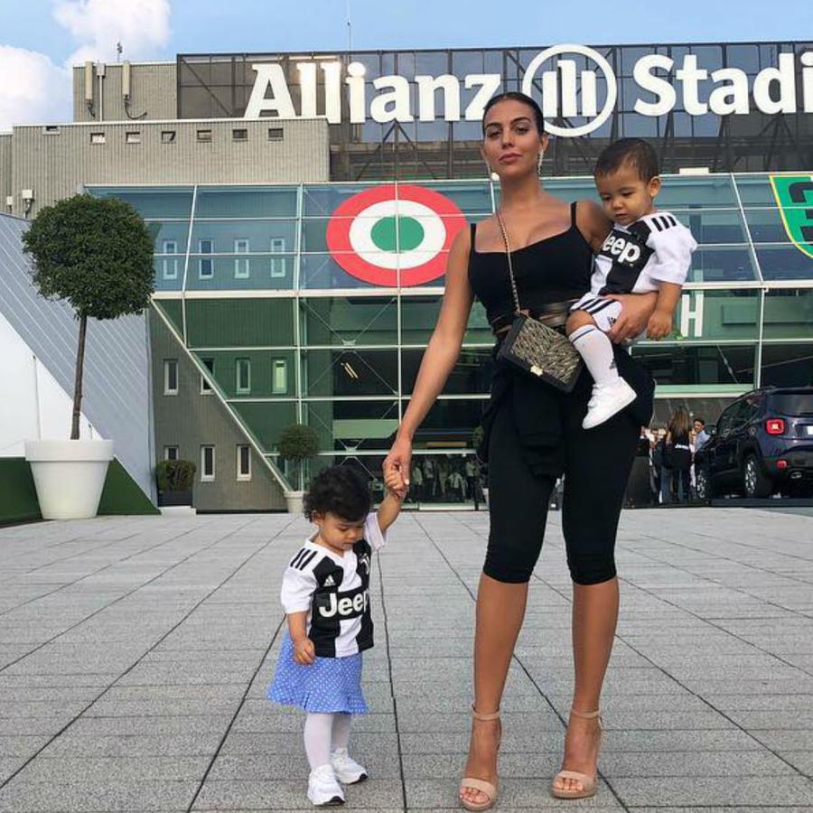 Georgina Rodríguez con sus bebés