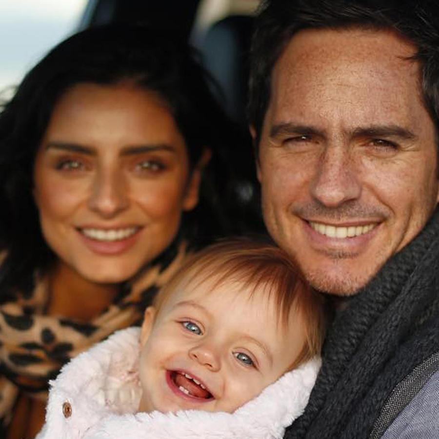 Mauricio y Kailani Ochmann con Aislinn Derbez