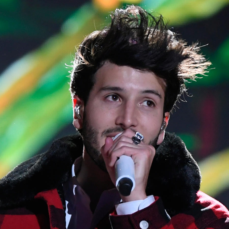Sebastián Yatra en los ensayos de Premios Billboard 2019