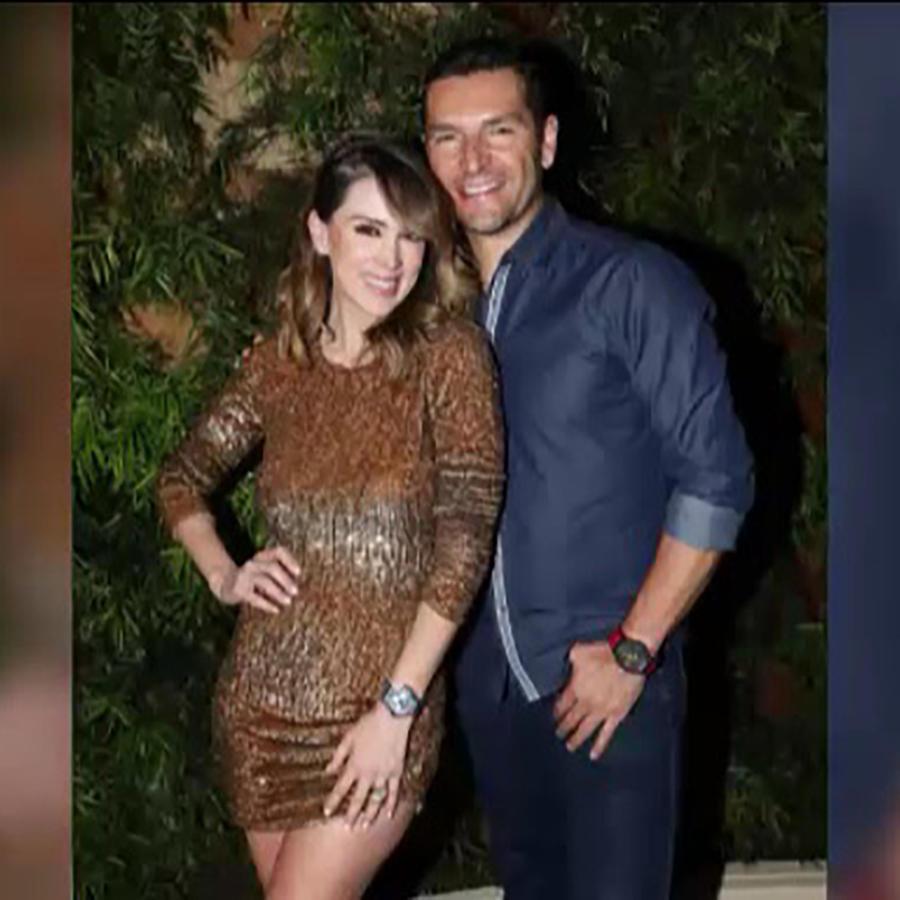 Jacky Bracamontes y su esposo Martín Fuentes