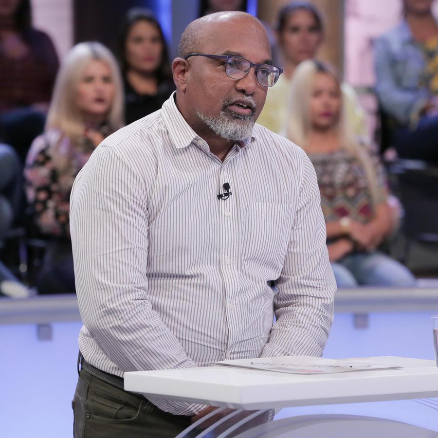 Hombre paga las consecuencias de su hermano racista y abusador