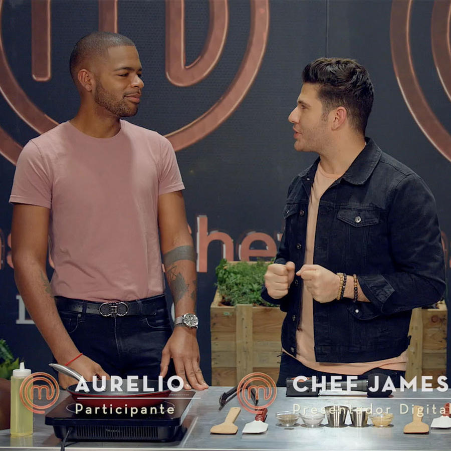 Aurelio Rojas y Dennis escalante en el desafío MasterChef Latino con el Chef James