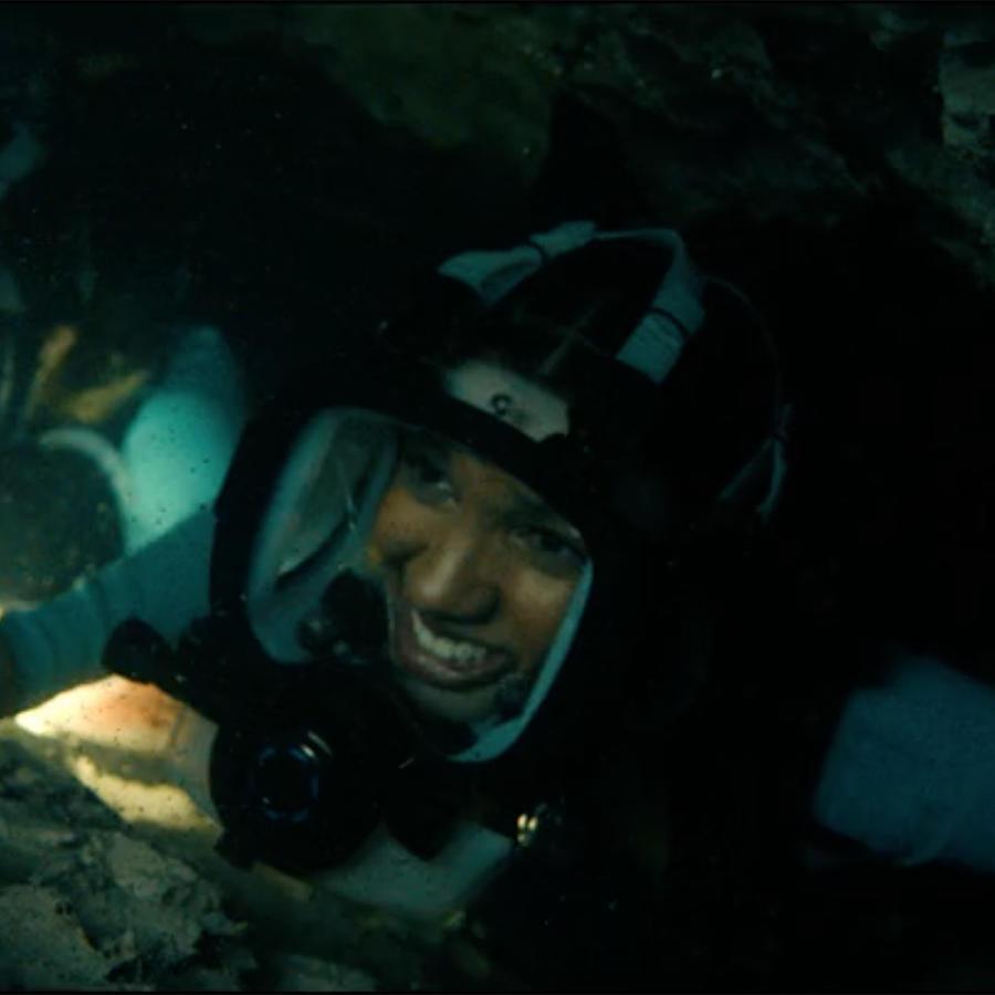 Corinne Foxx in 47 Meters Down: Uncaged