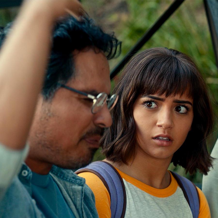 """Michael Peña, Isabela Moner y Eva Longoria en """"Dora and The Lost City of Gold"""""""