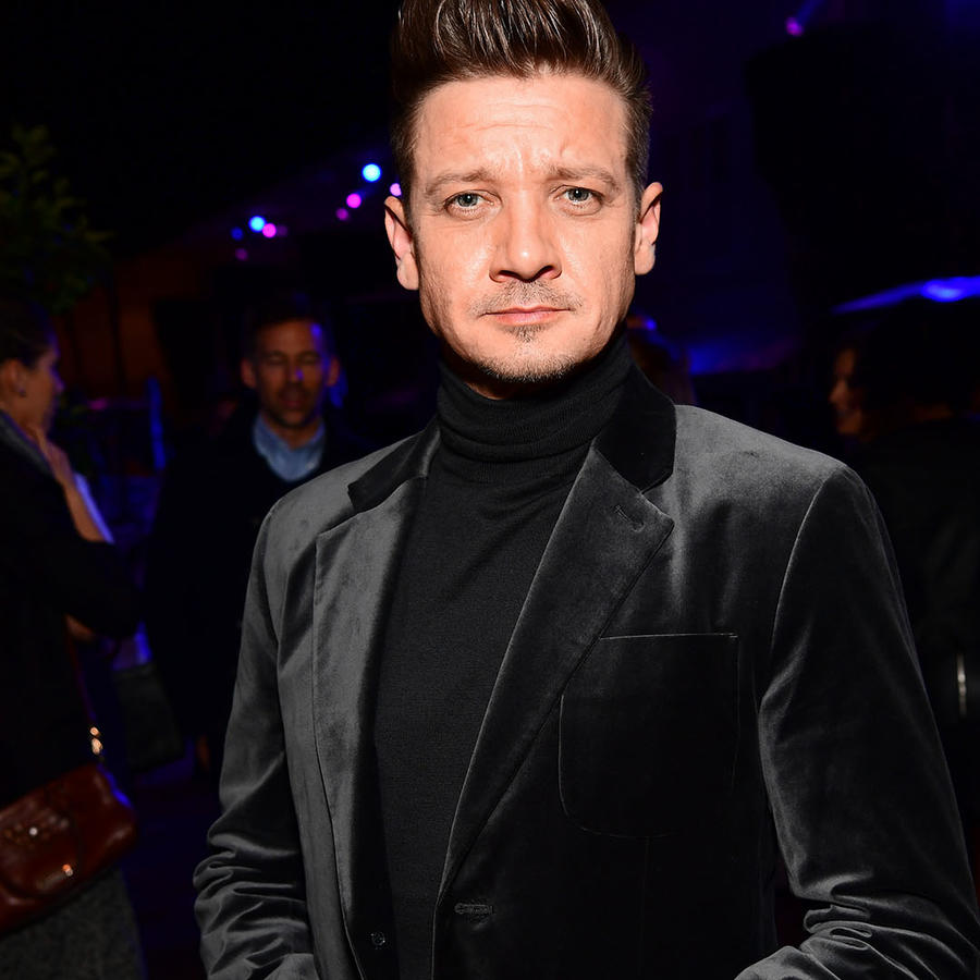 Jeremy Renner y Sonni Pacheco