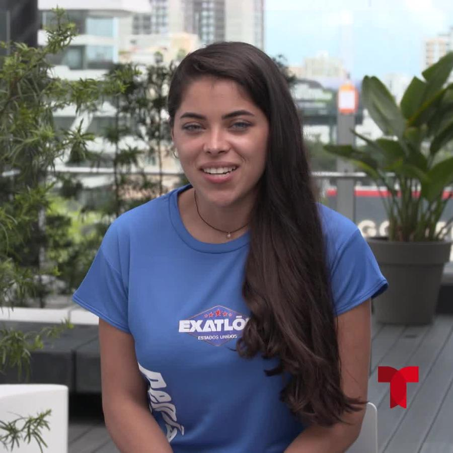 Denisse en entrevista en Telemundo