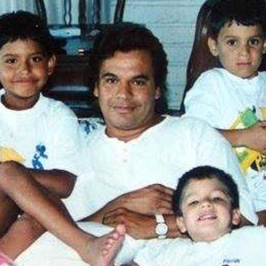 Juan Gabriel y sus hijos