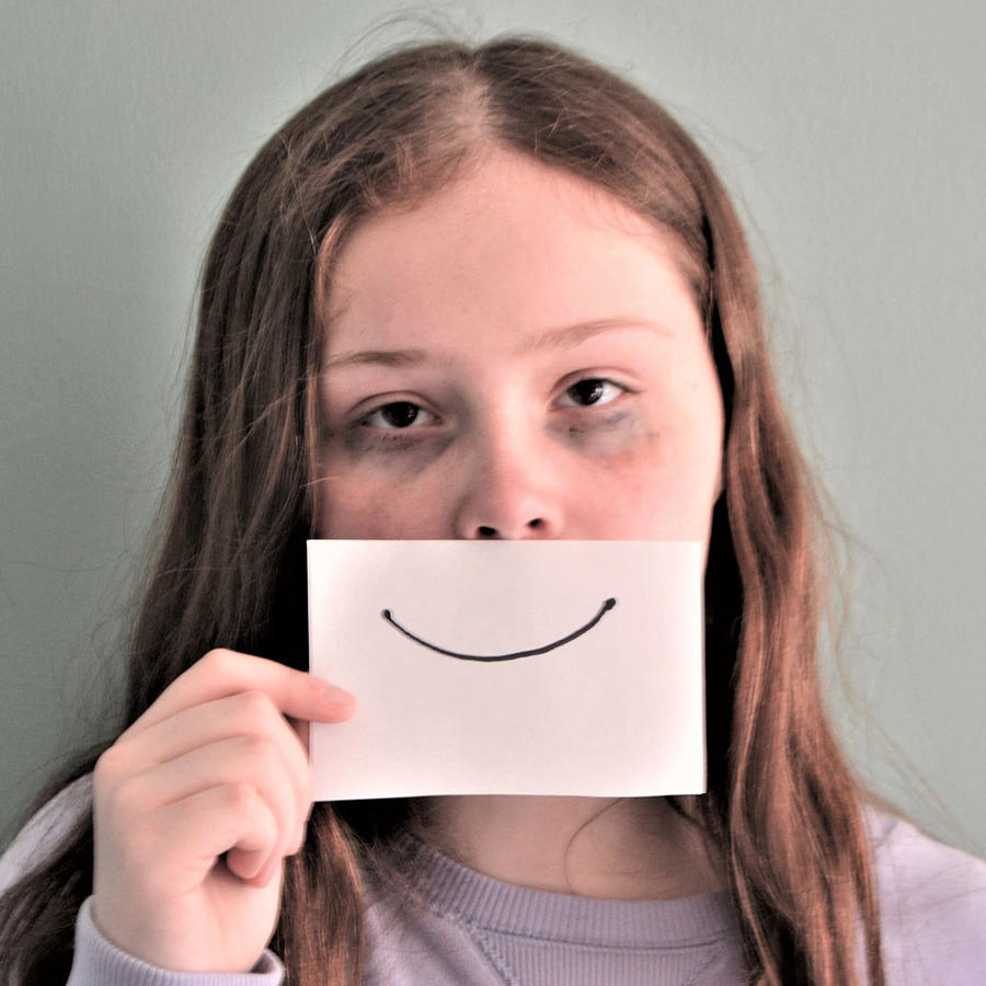 Falsa sonrisa