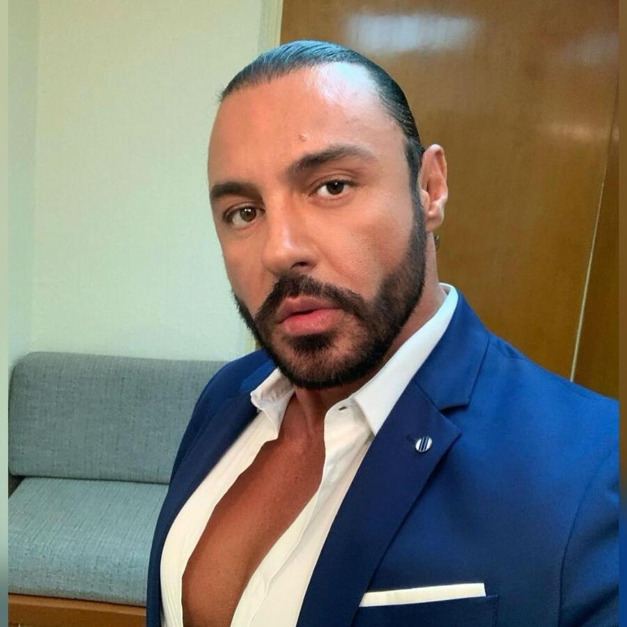 Víctor Manuel Reséndez 'Latin Lover'