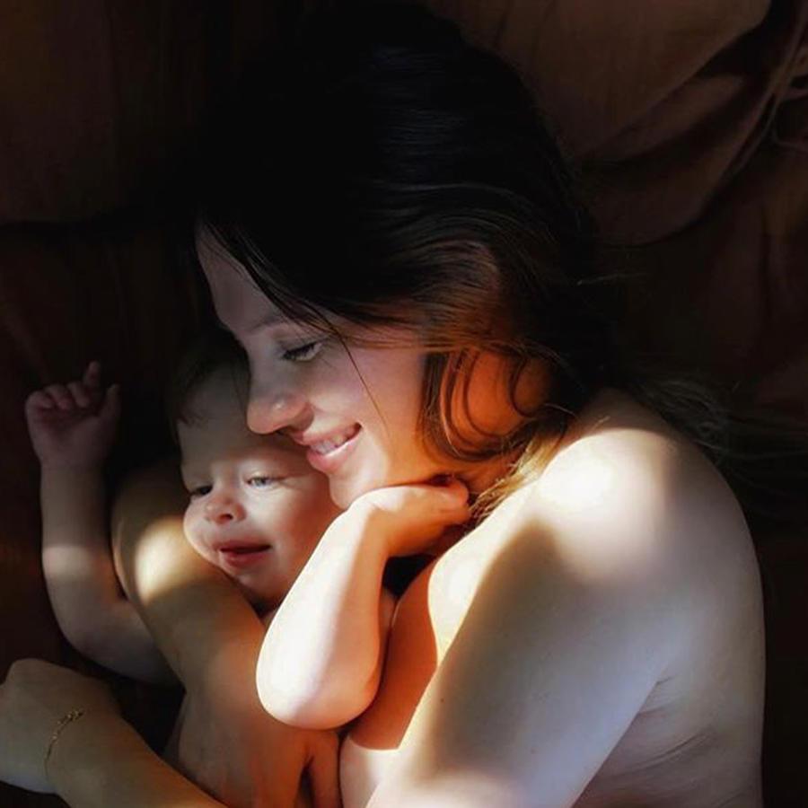 Sarah Kohan con su hijo Noah