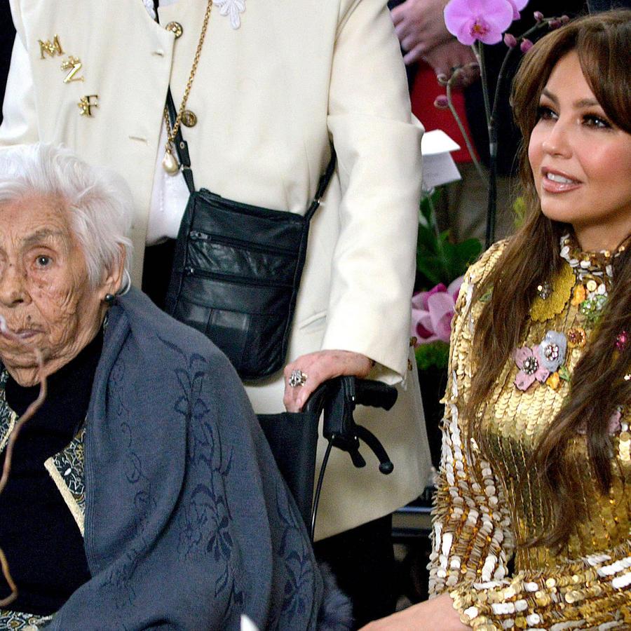 Thalía y su abuela Eva Mange