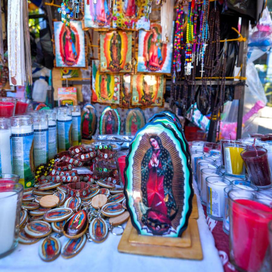 Venta de artículos de la virgen de Guadalupe