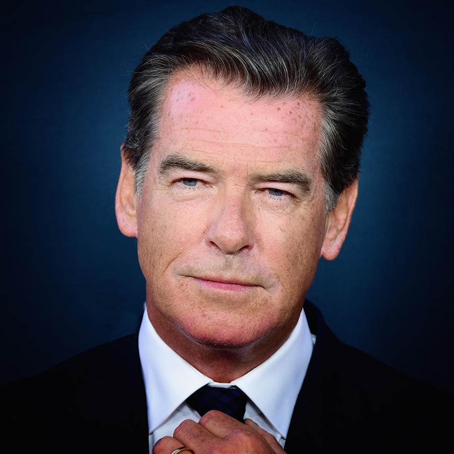 "Pierce Brosnan en la premiere de ""No Escape""."